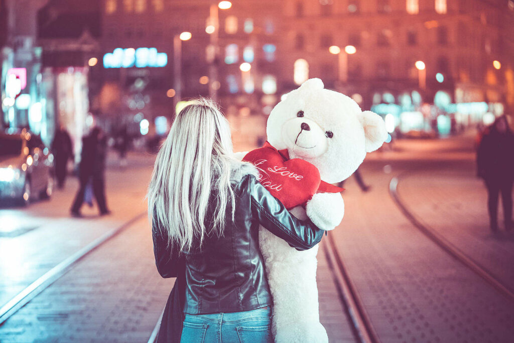 Alone on St. Valentine's Day? 9 Steps to Feel Happy Being Single