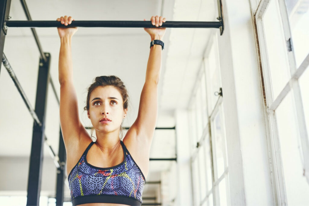 Dead Hang Exercise Benefits: You Can Do It Every Day!