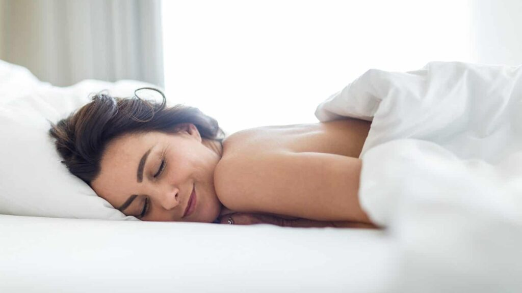 Sleeping Naked Makes You Healthier – Both Physically And Mentally