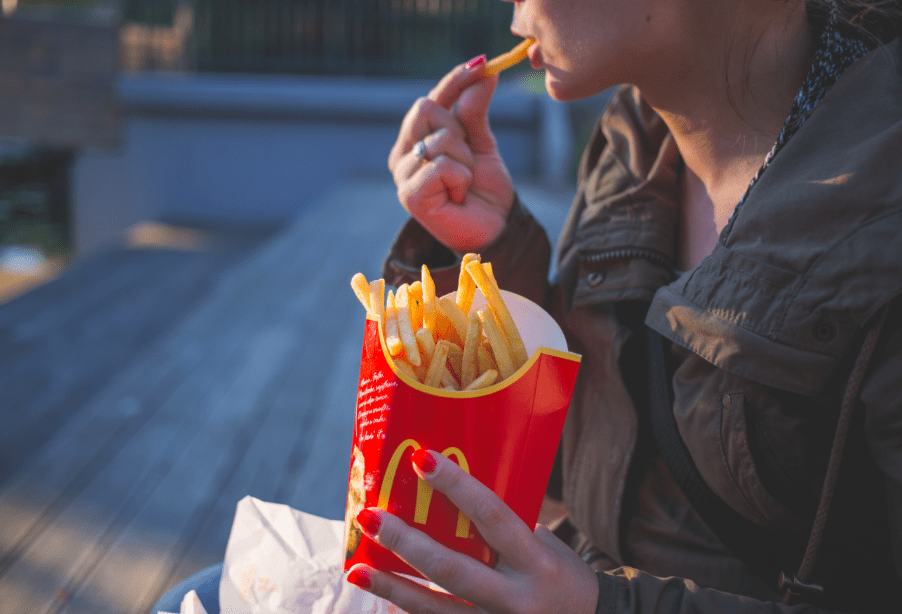 This Is Why Treating Yourself To Unhealthy Foods Is Absolutely Ok