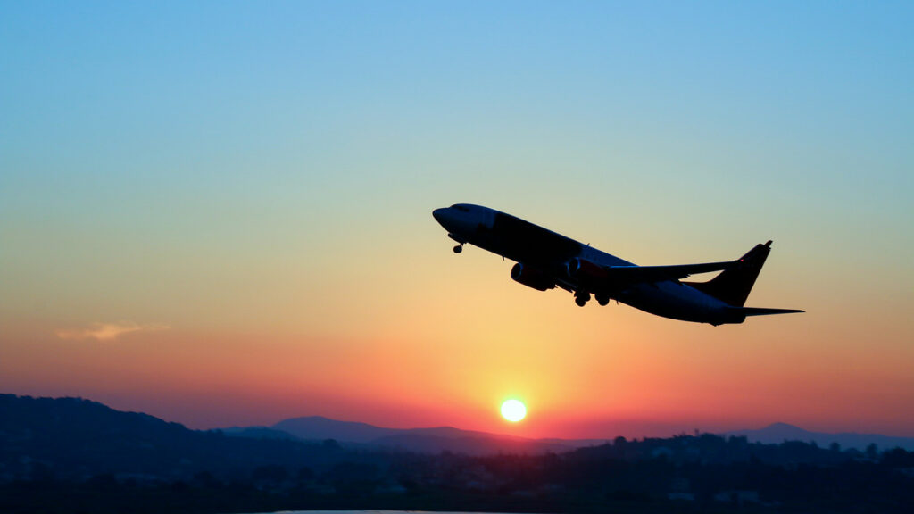 The Best Time to Book a Flight for Domestic, International, and Holiday Travel